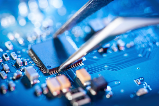 英特尔90亿美元卖掉闪存芯片业务,Cree卖掉LED业务;国家发改委回应芯片项目烂尾