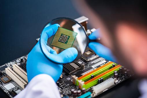 2022年芯片价格至少再涨10-20%;富士康印度厂iPhone 产量大减 50%