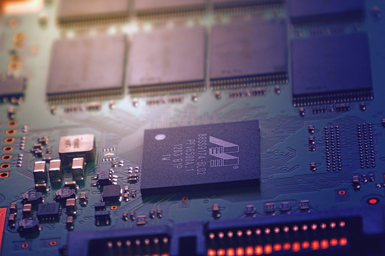 IC Insights :今年全球芯片出货量将大增21%